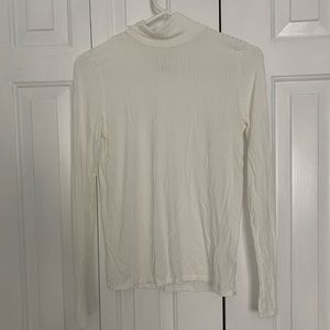 SOFT AND SEXY AMERICAN EAGLE WHITE MOCK NECK SHIRT
